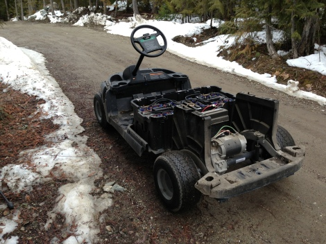This buggy is ready to be washed, we left the battery pack in it to be able to maneuver it around now that the snow is gone.
