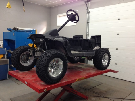 That looks good! Now the cart is sitting level with the front and rear tire package installed.