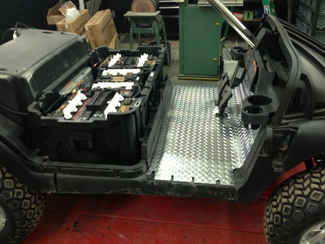 Diamond plate floor installed and this bad Oscar of a buggy is coming along nicely.