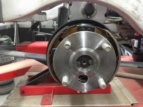 Just like the previous picture you can see how great the brake and hub look after our maintenance and inspection.