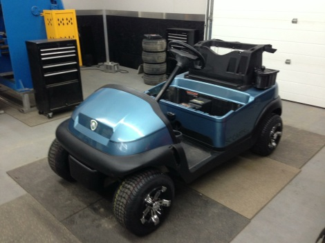 What a classy looking color on this little electric buggy.