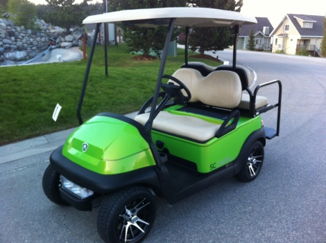 Yet another cool electric buggy that calls La Casa Lake Resort home. This cool cruiser belongs to one of our younger customers, who works up north and vacations in Fintry BC at his resort home.