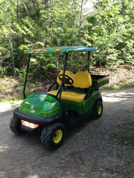 We had been wanting to do a John Deere themed Club Car Precedent for quite sometime. Naturally a work cart made the most sense. This cart is down in the Lower Mainland of BC.