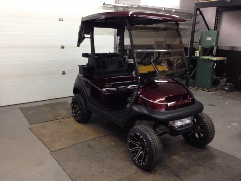 Here you can see the Precedent got its custom painted roof installed along with a tinted folding windscreen, a club cover and a double silver pinstripe to tie in the silver accents on the cart.