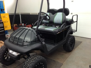 Here's a shot of the cart so you can see the seats and the blacked out cart, look how mean this thing is looking!