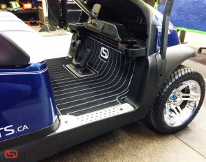 One more shot of the floor mat, we just can't get enough of it. This is one great looking cart.