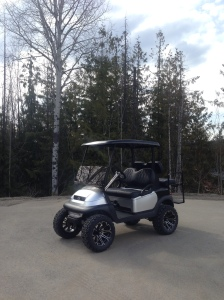 You can't help but love how this Club Car Precedent turned out. It's hard to believe that this started as a plain golf cart.