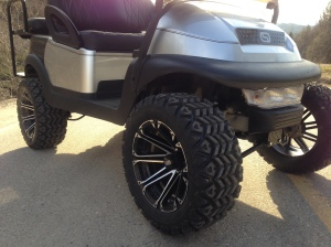 """These 14"""" wheels and 23"""" tires are an awesome choice for this cart."""
