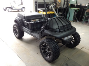 Ahhh that looks better. The cart has an awesome stance with this lift and wheel package.