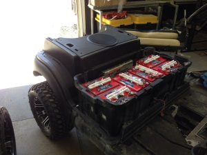 The life of this electric cart was installed today! The US Battery, battery pack!