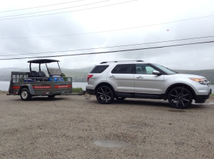 Our customer made the trip out to pick up his new machine. His SUV is looking great on 24's