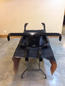 Again we are assembling the Precedent frame, we installed the front body support.